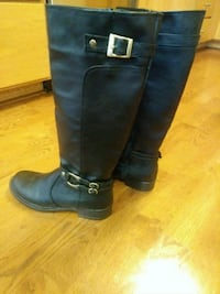pair of black leather boots Los Banos, 93635
