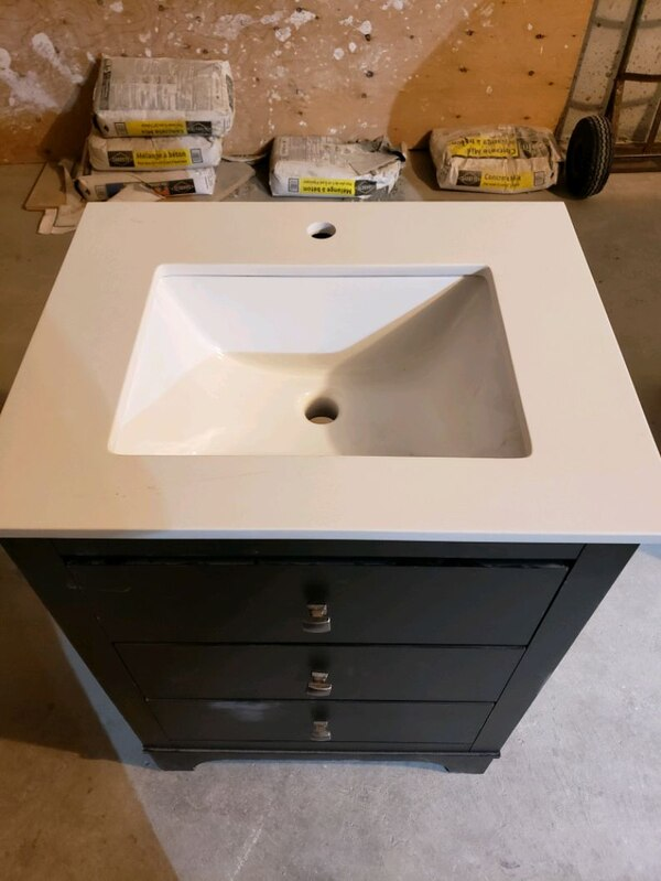 "24"" Bathroom Vanity with slow closing drawers 0f658eef-7537-4422-abb7-e1cfc012a7f7"