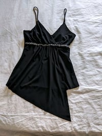 Black top with silver sparkles band ban size s Calgary, T2E 0B4