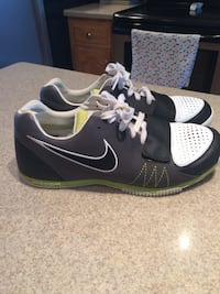 Pair of black-and-white nike running shoes Hamlet, 28345