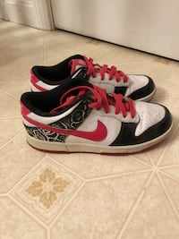 Nike 6.0 black pink and white sneakers size 6