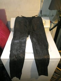 Ladies Leather pants size 9 but fit like a size 6 Bettendorf, 52722
