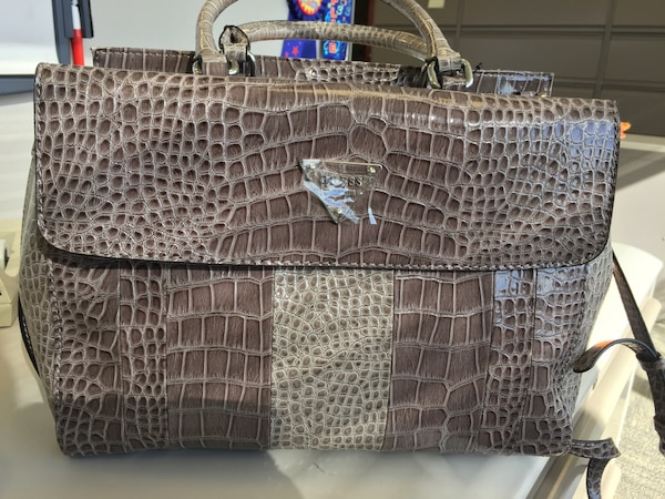 Used Brand new Guess Brown alligator skin shoulder bag for sale in  Morristown - letgo 627f0224dc7fe