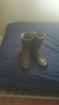 pair of black leather riding boots  Manteca, 95337
