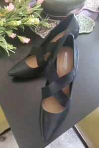 Tahari Black Pumps - Size 10