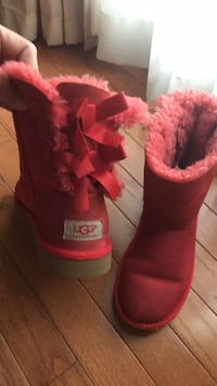 red UGG Bailey Bow boots Gainesville, 20155