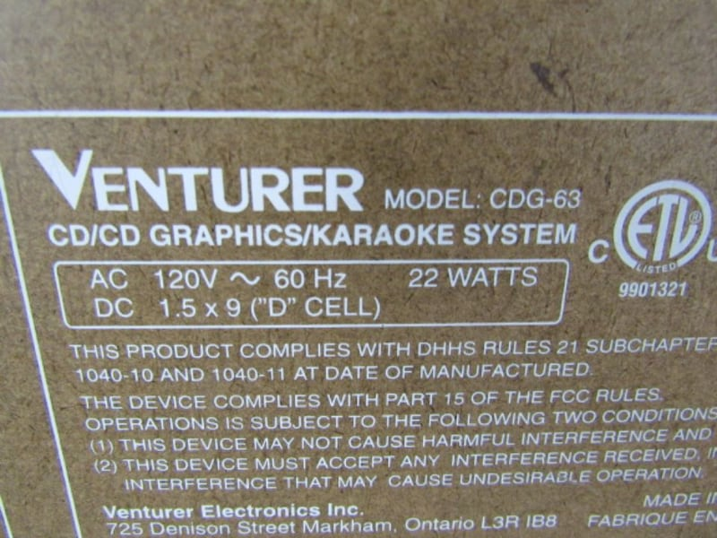 Venturer CDG-63 Karaoke Machine With Microphone   4