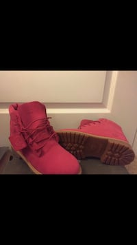 Pink timberland boots size 7  Brandywine, 20613