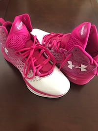 Under Armor womens tenis shoes Savage, 20763