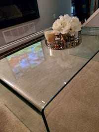 Glass coffee table Mississauga, L5K