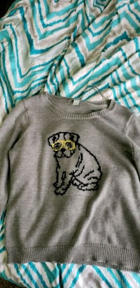 gray and white crew-neck sweater Bellevue, 83313