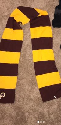 Officially licensed redskins warm scarf  Arlington, 22201