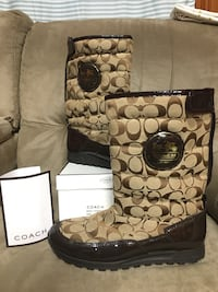 COACH Winter Boots sz.8 Monroe, 71203