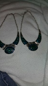 two silver-colored-and-black bib necklaces Warwick, 02889