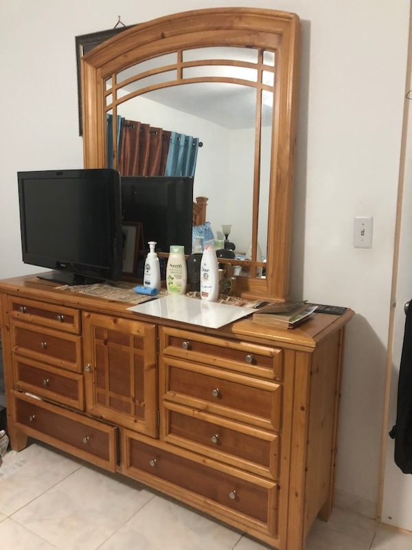 used bedroom set. for sale in miramar - letgo