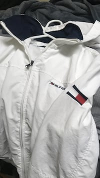 White Tommy Hilfiger wind breaker size small Wichita Falls, 76308