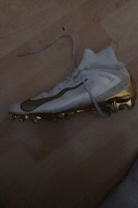 Nike vapor untouchable 3 pro white and gold, size 10 New Westminster, V3M 1L2