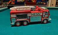 Hess 2005 complete set fire truck and SUV Deer Park, 11729