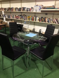 Brand new 5 piece dining set. Table and 4 chairs  Wellington, 33449