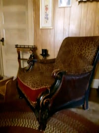 chair thick wood leopard-print beautiful nice wood hi back Gloucester Point, 23072