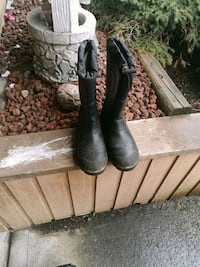 Steel toed winter boots Coquitlam, V3B 5S4