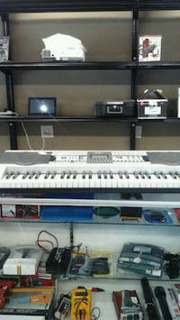 white electronic keyboard Kansas City, 66102