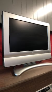 Gray and black flat screen tv Little Rock, 72204