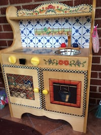 Play kitchen, solid wood. Great heirloom piece. Laurel, 20707