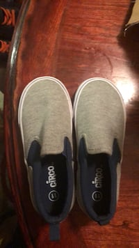 pair of gray slip-on shoes Oxon Hill, 20745