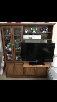 Hutch/ wall unit/ cabinet