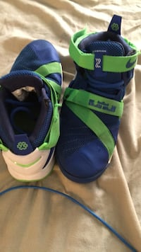 Lebron soldier 9s size 7 Stafford, 22556