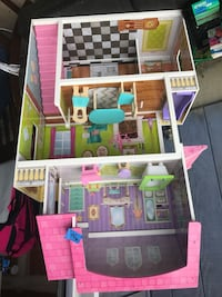white, pink, and green doll house Bremerton, 98311