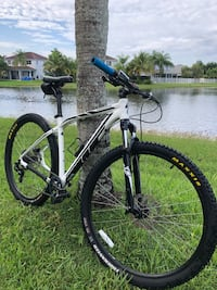 specialized rockhopper mountain bike MTB with over $600 in accessories