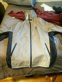 American Eagle reflective jacket size L  Queens, 11367