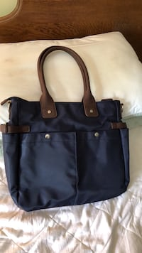 Navy multi pocket purse great fir travel bag  Youngstown, 44505