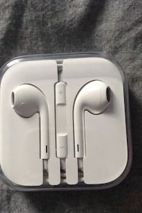 Apple EarPods 3.5mm Headphone Jack