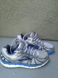 Brooks Beast 16 running shoes 9 wide Upland, 91786
