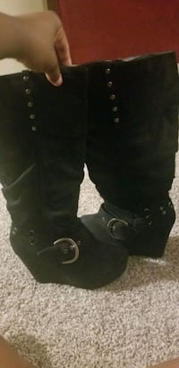 Blk boots sz 10 Lincoln, 68505