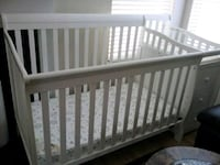4 in 1 crib combo changing table with drawers  Newport News, 23608
