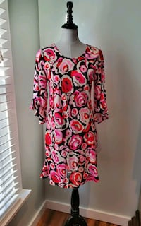 New with tags Escapada living dress size small