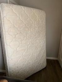 quilted white mattress with box spring Glendora, 91740