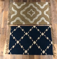 Rug pottery Barn. Blue one.