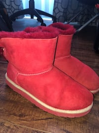 UGG Red bailey bow short boots Toronto, M2J