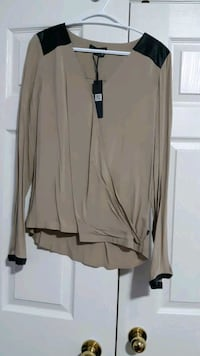 Brand new William rust top