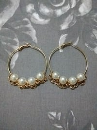 Pearl gold hoops Toronto, M3A 2W9