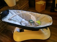 baby's white and black bouncer Charlotte, 28212