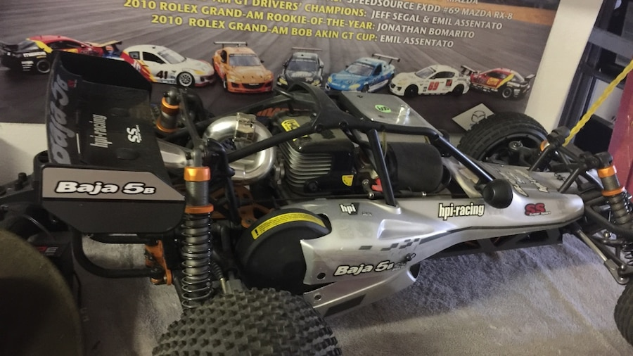Baja 5b gas RC car new with controller