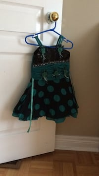 Beautiful green dress for girls size 2-3 years Vaughan, L4H 3B6