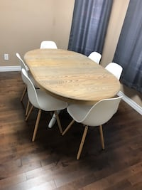 Dining room table and 6 chairs 507 km
