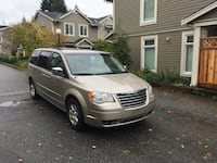 2009 Chrysler Town & Country Vancouver